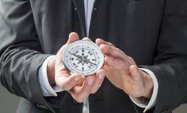 Vision et perspective d'affaires dans des mains photo stock