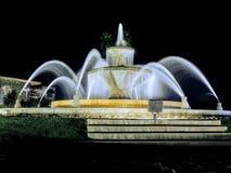 Vision nocturne d'une fontaine ronde en Arizona Etats-Unis photographie stock libre de droits