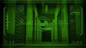 Visione notturna POV che si muove attraverso la funzione di stoccaggio archivi video