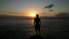 Visionnement du coucher du soleil photos stock
