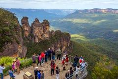 Visiotor как голубой национальный парк monutain стоковое изображение rf