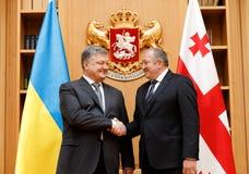 Visita de estado del presidente de Ucrania a Georgia imagenes de archivo