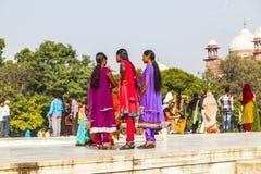 Visita Taj Mahal della gente a Agra, Fotografia Stock