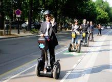 Visita turística de excursión en París Gyropode Segway Imágenes de archivo libres de regalías