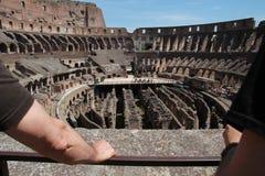 Visitando o colosseum Fotografia de Stock Royalty Free