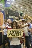 Visitantes do grande festival britânico da cerveja Fotografia de Stock