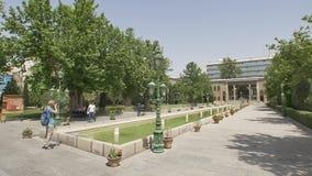 Visitantes do palácio de Golestan vídeos de arquivo