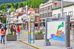 Visitantes e mapa de ruas de Alaska Ketchikan Foto de Stock