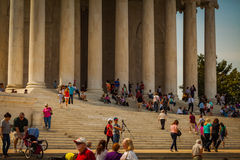Visitantes en Thomas Jefferson Memorial Imagenes de archivo