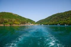 Visite adriatique de côte Fjord de Limski dans Istria MER ADRIATIQUE photographie stock