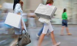 Visite as lojas na cidade foto de stock