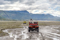 Visite d'entraînement à quatre roues à la montagne Pinatubo Image stock