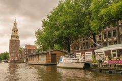 Visite de bateau sur les canaux d'Amsterdam Photo libre de droits