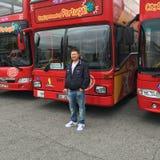Visite de prise de touristes américaine d'autobus de Lisbonne Images libres de droits