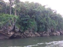 Visite de radeau et de bateau à la cascade Sai Yok Kanchanaburi Thailand image libre de droits