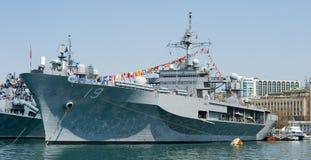 Visite navire amiral de flotte de marine des USA de 7ème en Russie Vladivostok Photographie stock libre de droits