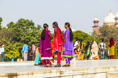 Visite Taj Mahal de personnes à Âgrâ, Photographie stock