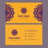 Visitekaartje en adreskaartje met het element dat van het mandalaontwerp wordt geplaatst Royalty-vrije Stock Foto's
