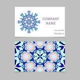 Visitenkarte mit Mandalaverzierung und buntes geometrisches Muster in der orientalischen Art Stockfoto