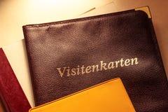 Visitenkartehalter und andere Notizbücher Stockfoto