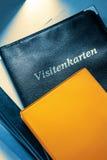 Visitenkartehalter und andere Notizbücher Stockfotos