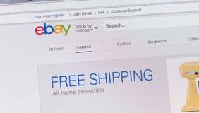 Visites, Frances - 17 juin 2014 : Fermez-vous du site Web d'ebay sur le C.A. Photo stock