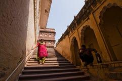 Visiteurs dans le fort de Mehrangarh Images libres de droits