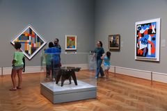 Visiteurs de galerie d'art Photographie stock
