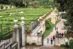 Visiteurs de villa Doria Pamphili au par l'intermédiaire d'Aurelia Antica, Rome, Italie Images stock