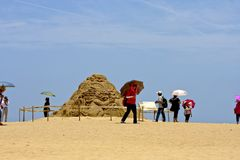 Visitez la sculpture en sable sur la plage Photos stock