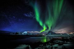 Aurora Polaris- the green Lady royalty free stock photos