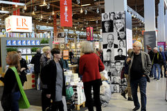 VISITOR AND BOOK SHOPPERS AT BOOK FAIR 2016 Stock Image