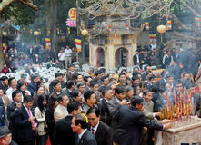 Visitors burning incense ceremony at Con Son Pagoda Royalty Free Stock Photos