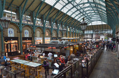 Visitors in Covent Garden markets in London, UK Royalty Free Stock Photos