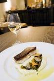 Vismeel bij buitensporig restaurant 2 stock foto