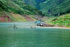 Visnet bij de bank van Yangtze-rivier stock foto