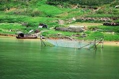 Visnet bij de bank van Yangtze-rivier stock afbeelding