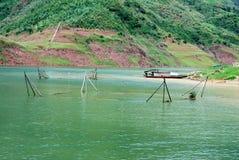 Visnetten bij de bank van Yangtze-rivier stock foto