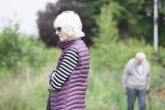 Visning för demens- och Alzheimers hjärnsjukdom på höga gamla par fotografering för bildbyråer