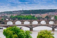 Visning på den Vltava floden och Prague Fotografering för Bildbyråer