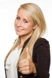 Visningen för ung kvinna tummar upp med hennes händer Royaltyfri Bild