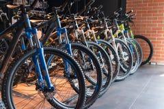 Visningslokal för cykellager Royaltyfria Foton