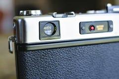 Visor e parte traseira da câmera velha do filme imagens de stock