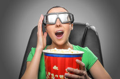 Visor que olha o cinema 3D Imagens de Stock Royalty Free