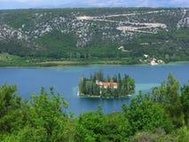 Visovac海岛和修道院,克罗地亚 免版税库存图片