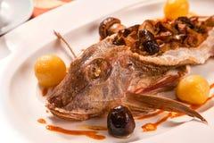 Vissen die met paddestoelen worden gevuld Royalty-vrije Stock Foto's