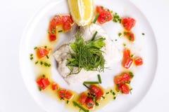 Vissen met groenten stock fotografie