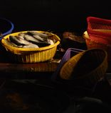 Vissen voor verkoop in markt Royalty-vrije Stock Foto's