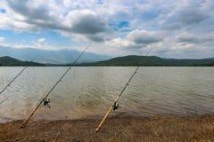 Vissende Oever van het meer Stock Fotografie