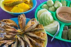 Vissengebraden gerecht en Spaanse peperssaus Royalty-vrije Stock Foto